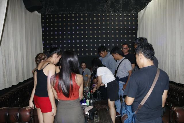 Cegah Peredaran Narkoba Personel Gabungan Polda Bali Razia Hiburan